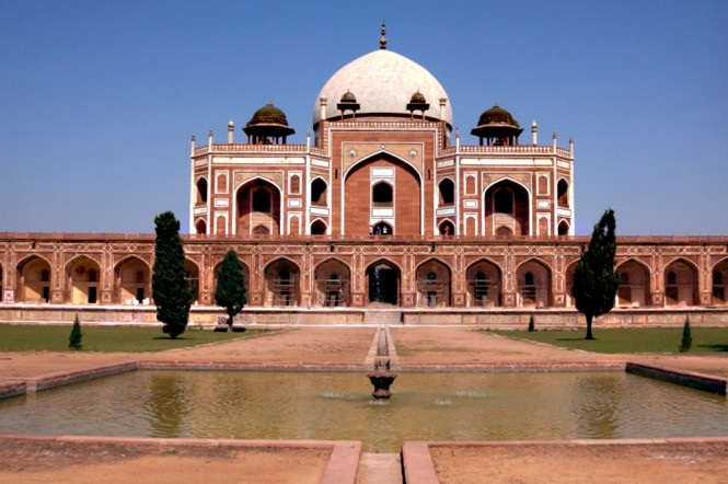 The Tombs - Explore 7 Places in Delhi Dilli Dilwalon Ki With Luxurious Stay