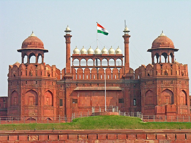 The Monuments - Explore 7 Places in Delhi Dilli Dilwalon Ki With Luxurious Stay