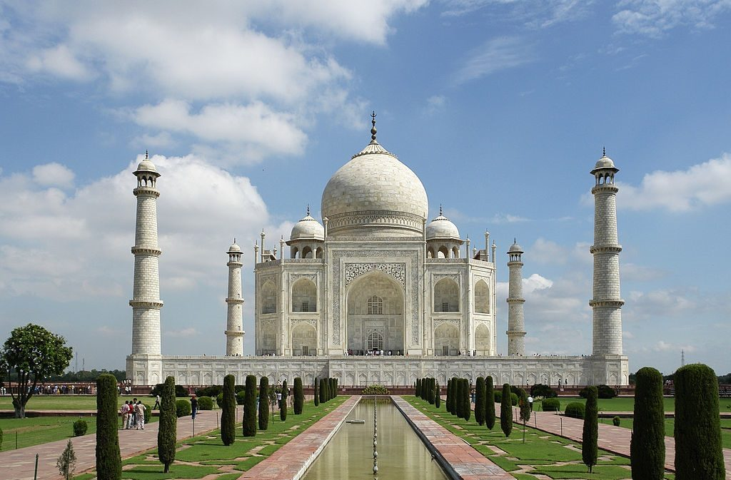 Taj Mahal - HERE ARE THE THINGS YOU CAN DO THIS WEEKEND IN AGRA