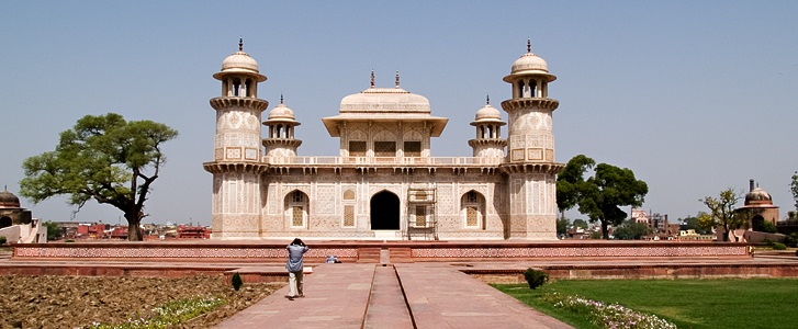 Tomb of Itimad-ud-Daulah - HERE ARE THE THINGS YOU CAN DO THIS WEEKEND IN AGRA